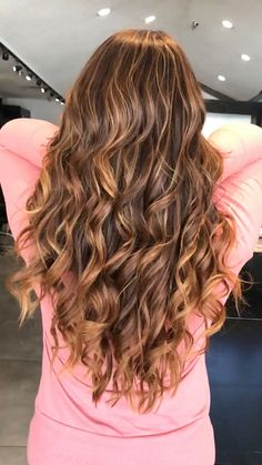 by rachel fred balayage highlights, balayage hair, medium Brunette Hair Color With Highlights, Dark Brunette Hair, Brown Blonde Hair, Hair Highlights, Brunette Color, Balayage Hair Caramel, Balayage Hair Blonde, Balayage Color, Medium Hair Cuts