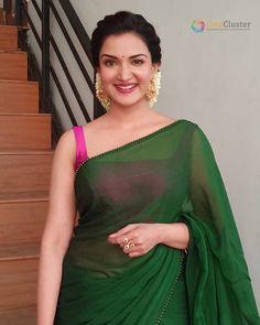 Cotton Saree Designs, Saree Blouse Neck Designs, Fancy Blouse Designs, Indian Beauty Saree, Indian Sarees, Tamil Saree, Onam Saree, Ethnic Sarees, Indian Makeup