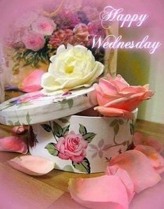 Rose Box Happy Wednesday wednesday quotes happy wednesday wednesday quotes and sayings wednesday pics Happy Wednesday Pictures, Decoupage, Good Morning Wednesday, Shabby Chic, Days Of Week, Joelle, Happy Quotes, Beautiful Flowers, Table Decorations
