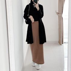 Hijab Fashion Summer, Modest Fashion Hijab, Modern Hijab Fashion, Street Hijab Fashion, Casual Hijab Outfit, Hijab Fashion Inspiration, Hijab Chic, Muslim Fashion, Mode Inspiration