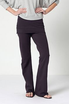 #DIY #Yoga I have a pair of yoga pants that I love, but the bum seam has frayed. I'm going to use old T-shirts and repurpose them into these Anthropologie Switchback Yoga Pants.