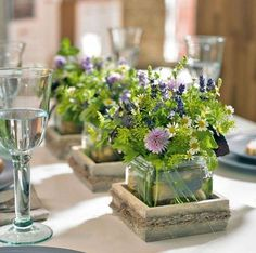 Home & hobby Table decoration with herbs Summer view! The vase The Lyngby in fresh mint provides for puristic and elegant charm, which makes it a timeless interior. Wedding Table Decorations, Party Centerpieces, Decoration Table, Flower Decorations, Centrepieces, Table Verte, Deco Floral, Deco Table, Event Decor