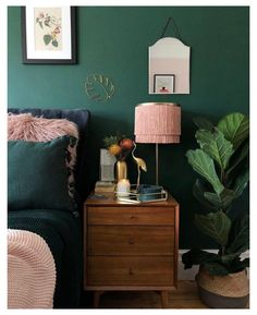 20 Photos That Will Prove Decorating with Pink and Green is the Next Big Thing #big #bedroom #decor #bigbedroomdecor See how these designers are decorating with pink and green in every part of their homes and let me know where you like it best! Green Bedroom Walls, Green Bedroom Decor, Living Room Green, Small Room Bedroom, Home Decor Bedroom, Bedroom Ideas, Bedroom Inspiration, Small Rooms, Green Bedroom Design