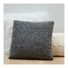 Coussin bouclettes Decoration, Throw Pillows, Bed, Linens, Future, Hobby Lobby Bedroom, Trends, Carpet, Cushions
