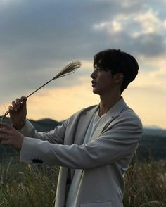 Siluet joo hyuk ah♡ Joon Hyung, Hyung Sik, Jong Hyuk, Lee Jong Suk, Korean Celebrities, Korean Actors, Asian Actors, Nam Joo Hyuk Instagram, One Yg