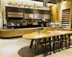 New Milla de Oro Starbucks store pays tribute to the City of the Eternal Spring while honoring Colombia's coffee heritage. The store marks the company's 1,000th store in Latin America.