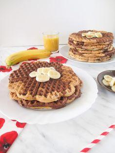 Mramorové banánové brownie wafle Banana Waffles, Banana Brownies, Banana Oats, Pancakes And Waffles, Waffle Recipes, Snack Recipes, Snacks, Pasta Recipes, Waffle Mix