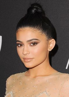 ClioMakeUp-trucco-golden-globes-after-party-2016-kylie-jenner1