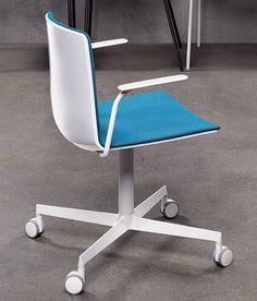 Noa Office from Pedrali. Mult. fabric/finish options