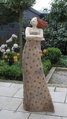 milva garten kunst figur von margit hohenberger - Gartengestaltung Neue Ideen
