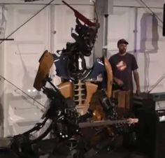 Amazing electric gitar man / metal alien robot on WK Robocup 2013 Holland.