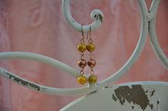 Crea Copine Collection - Earrings with rosé and yellow beads - Unique and handmade - Ordernumber CC-14-046 (Oorringen met rosé en gele kralen - Uniek en handgemaakt - Bestelcode CC-14-046)  - 10 euro + shipping costs