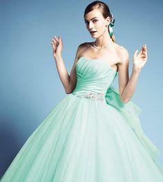 SELECT DRESS & TUXEDO | ドレスコレクション | クチュールナオコ ウエディング [COUTURE NAOCO]