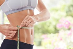 10 Fast Weight Loss Tips (We Tried Them!) How can I lose weight? Heres expert advice for losing weight and burning fat fast! (Ways To Loose Weight) Health Guru, Health Class, Health Trends, Health Tips, Health Fitness, Health Benefits, Fitness Tips, Fitness Foods, Wellness Fitness