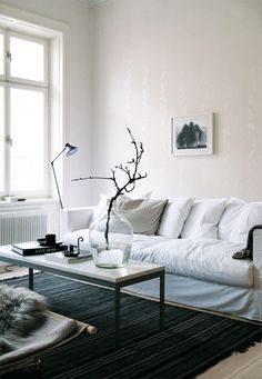 perfectly styled, scandinavian interior, pella hedeby, stil inspiration via… White Interior, Decor, Living Room Interior, Home And Living, Furniture, Interior, Home Decor, House Interior, Living Room Furniture