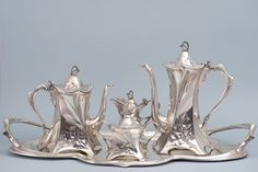 WMF Art Nouveau Tea & Coffee Set, silver plated Catalogue: n° 358 Year: 1906 Art Nouveau Interior, Art Nouveau Architecture, Art Nouveau Design, Art And Architecture, Jugendstil Design, Silver Tea Set, Coffee Set, Art Deco Fashion, Ceramic Art