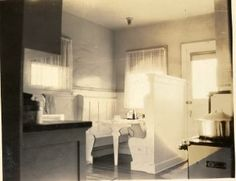 Arts Crafts Bungalows Were All About Nooks Heres A Breakfast - Craftsman bungalow kitchen breakfast nooks