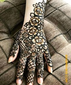 50 Most beautiful Dhaka Mehndi Design (Dhaka Henna Design) that you can apply on your Beautiful Hands and Body in daily life. Basic Mehndi Designs, Rose Mehndi Designs, Khafif Mehndi Design, Indian Henna Designs, Latest Henna Designs, Henna Art Designs, Mehndi Designs 2018, Stylish Mehndi Designs, Mehndi Designs For Girls