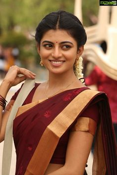 Complete South Indian Tamil actress name list with photos and all Tamil actress box office hits inside. Check the latest Tamil actress hot images and south Indian heroins Photos Indian Actress Hot Pics, South Indian Actress Hot, South Actress, Indian Actresses, Actress Photos, Beautiful Girl Indian, Most Beautiful Indian Actress, Beautiful Saree, Beautiful Ladies