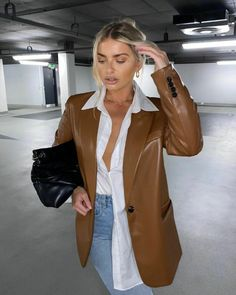 Trendy Outfits, Fall Outfits, Cute Outfits, Fashion Outfits, Brown Jacket Outfit, Brown Blazer, Brown Leather Jacket Outfits, Brown Faux Leather Jacket, Looks Street Style