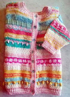Jämälangoista villaröijy. Knitting leftover yarns, cardigan.