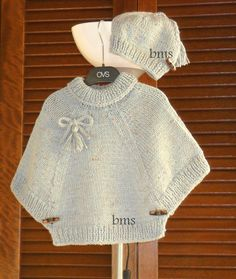 Diy Crafts - Poncho from CCC - poncho with moss stitch with a pocket on front. Poncho Pattern: Chain the chains with a slip SC, i Diy Crafts Knitting, Knitting For Kids, Baby Knitting Patterns, Knitting Designs, Kids Poncho, Baby Pullover, Jacket Pattern, Diy Dress, Baby Sweaters