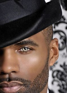 Gorgeous face and gorgeous eyes. Gorgeous Eyes, Pretty Eyes, Cool Eyes, Black Is Beautiful, Beautiful People, Amazing Eyes, Black Dagger Brotherhood, Handsome Black Men, Male Eyes