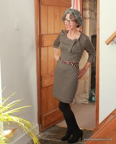 Joan dress (by Sew Over It) in a knit - how to amend woven patterns to knit fabrics Sewing Clothes, Custom Clothes, Dress Sewing, Clothing Patterns, Sewing Patterns, Sewing Ideas, Sewing Projects, Sew Over It Patterns, Cold Weather Outfits