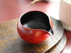 Lipped Lacquer Vessel by Maiko Okuno