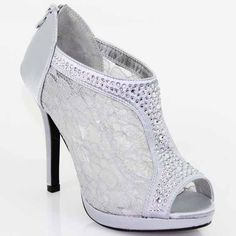 Silver Lace Bootie Boots, (http://www.fashionaras.com/de-blossom-yael-9-silver-lace-bootie-boots/)