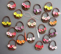 Spring baskets Best of handmade Polymer Clay Miniatures, Polymer Clay Projects, Diy Clay, Quilling Work, Quilling Paper Craft, Paper Crafts, Accessoires Barbie, Clay Magnets, Paper Quilling Designs