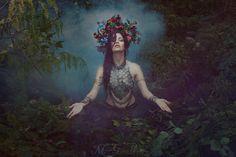 Photography & Stylist Medusa Gorgona Photography Model Soraya Moon MUA Eleán'Art Studio Medusa's Garden Studio Flowercrown Medusa's Craft