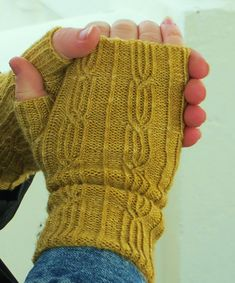 Ravelry: Glasgow School Mitts pattern by Jane Lithgow