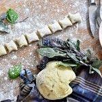 Domácí bramborové noky se šalvějí