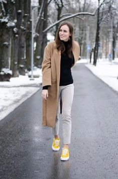 15 Best Tips on How to Wear Suede Pants for Women - FMag.com Suede Leggings, Suede Pants, Suede Ankle Boots, Clothing Blogs, Camel Coat, Pants Outfit, Lifestyle Blog, Duster Coat, Pants For Women