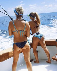 Fishing adventure - boat fishing trip - sea fishing - The sea is beautiful today, and we are having a great fishing trip, Fishing Girls, Sea Fishing, Sport Fishing, Gone Fishing, Saltwater Fishing, Kayak Fishing, Fishing Knots, Fishing 101, Fishing Stuff