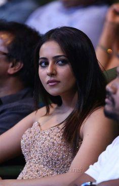 Bollywood Actress Hot, Beautiful Bollywood Actress, Most Beautiful Indian Actress, Bollywood Celebrities, Shreya Ghoshal Hot, Anushka Photos, Prity Girl, Indian Face, Indian Actresses