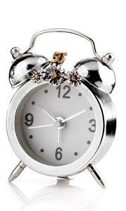 Srebrny zegar - budzik 50 rocznica ślubu, stanowi doskonały prezent dla rodziców. #rocznica #slub