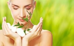 Getting a radiant skin naturally can be possible with some of the most trusted natural beauty tips. Including coconut oil, apple cider vinegar and cucumbers, getting glowing skin is now easy! Beauty Care, Beauty Skin, Beauty Hacks, Beauty Trends, Natural Beauty Tips, Natural Skin Care, Natural Face, Improve Gut Health, Mental Health