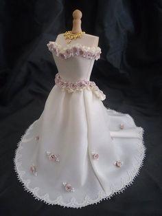 Weddinggown 1:12th scale van LittleDayDreamStore op Etsy