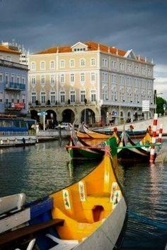 Aveiro, the portuguese Venice, Portugal #portugalfood  Portugal  Oplysninger om vores hjemmeside  http://storelatina.com/portugal/blog  #tour #paisagens #Portugalija