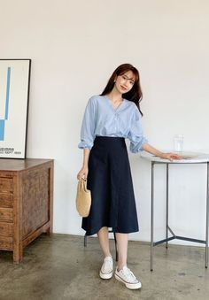 Best Ways To Style Your Outfits - Fashion Trends Long Skirt Fashion, Long Skirt Outfits, Modest Fashion, Casual Outfits, Fashion Dresses, Fall Outfits, Korean Fashion Trends, Korean Street Fashion, Korea Fashion