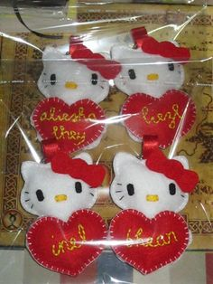 felt craft | custom made Hello Kitty keychains