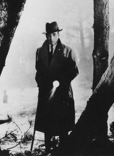 Humphrey Bogart in Conflict (1945)