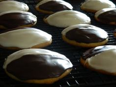 The Wednesday Baker: NEW YORK STYLE BLACK AND WHITE COOKIES