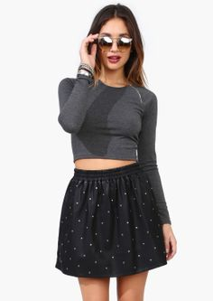 Casual high waisted skirt and crop top
