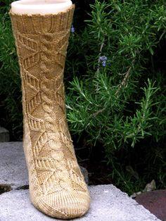Ravelry: Pippin Socks pattern by Claire Ellen