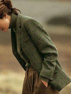 "Вопрос ""Tweed and tartan"" Looks like an old school professor's outfit. Estilo Fashion, Look Fashion, Ideias Fashion, Winter Fashion, Classy Fashion, Spring Fashion, Mode Outfits, Fashion Outfits, Fashion Tips"