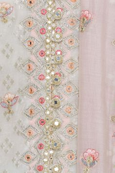 Kamiz, Sharara, Hand Embroidery Designs, Simple Outfits, Indian Wear, Indian Outfits, Floral Tie, Machine Embroidery, Ethnic