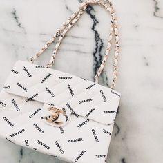 Do you love stylish and elegant handbags? 1 online shop for ., Do you love stylish and elegant handbags? 1 online shop for women's accessories! We have inexpensive and elegant accessories. Replica Handbags, Hermes Handbags, Louis Vuitton Handbags, Purses And Handbags, Cheap Handbags, Popular Handbags, Fabric Handbags, Handbags Online, Channel Bags Handbags